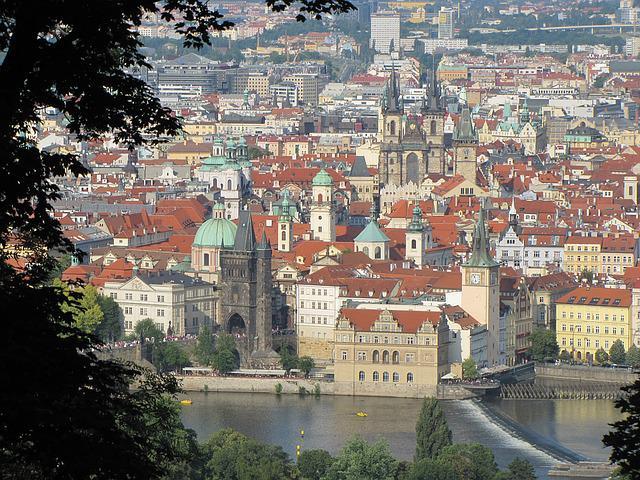 Vlastn�te firmu a chcete b�t �sp�n�? Pronajm�te si virtu�ln� s�dlo v Praze